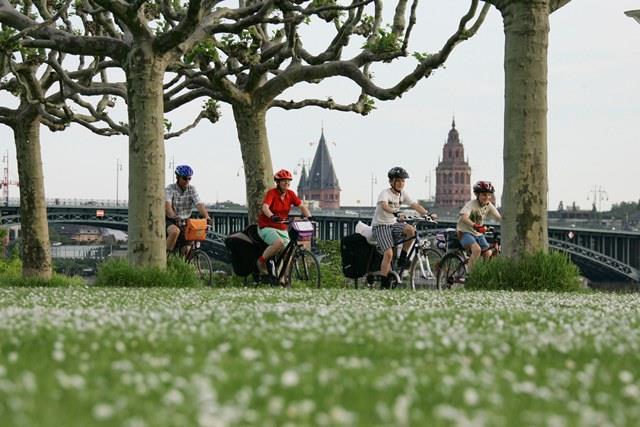 Rheinpromenade Mainz Fahrrad